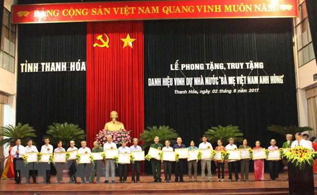 Thanh Hoa phong tang, truy tang 216 Me Viet Nam anh hung hinh anh 1