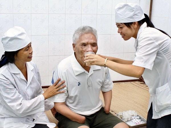 Pho Thu tuong tiep doan dai bieu nguoi co cong tinh Phu Tho, Soc Trang hinh anh 1