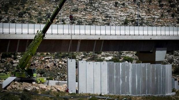Israel noi dai buc tuong an ninh o khu vuc Bo Tay them 42km hinh anh 1