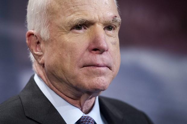 John McCain: My can can nhac trien khai vu khi hat nhan toi Han Quoc hinh anh 1
