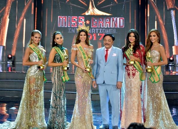 Nguoi dep Peru dang quang Hoa hau Hoa binh, Huyen My truot Top 5 hinh anh 1