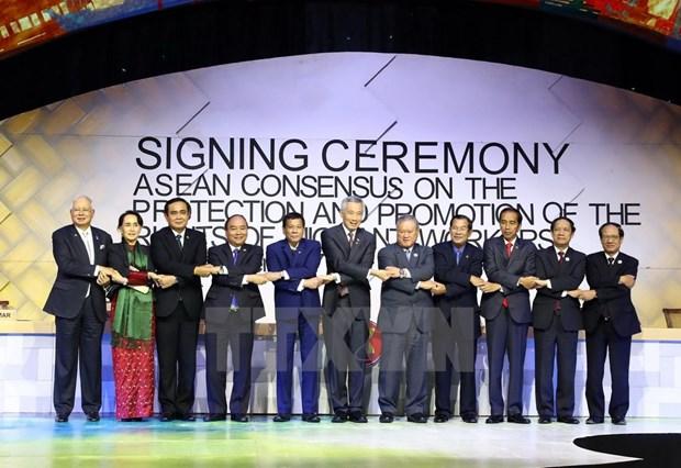 Vung buoc xay dung Cong dong ASEAN huong toi nguoi dan hinh anh 2