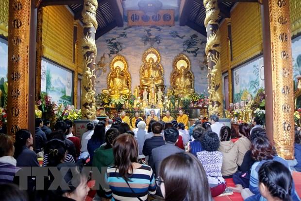 Tang ni, Phat tu nguoi Viet tai Lao cau nguyen cho quoc thai dan an hinh anh 1