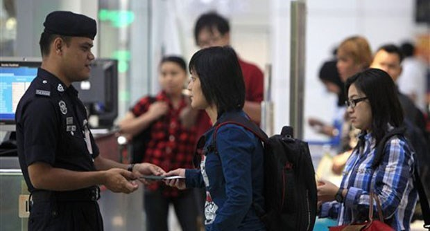 Malaysia: Chu lao dong se bi truy to neu bat cong nhan dong thue levy hinh anh 1