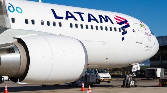 Hang LATAM Airlines huy hang tram chuyen bay do dinh cong hinh anh 1