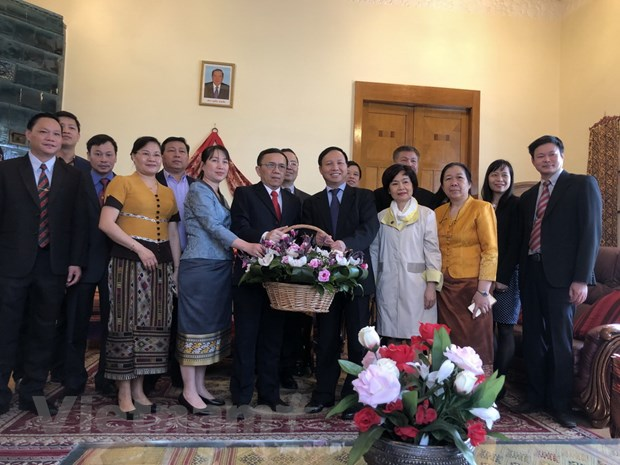 Dai su Viet Nam tai Lien bang Nga chuc mung Tet co truyen cua Lao hinh anh 1