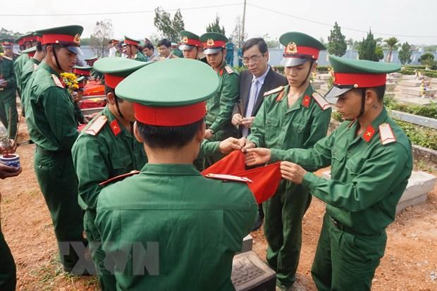 To chuc le truy dieu va an tang 9 hai cot liet sy tai Quang Tri hinh anh 1
