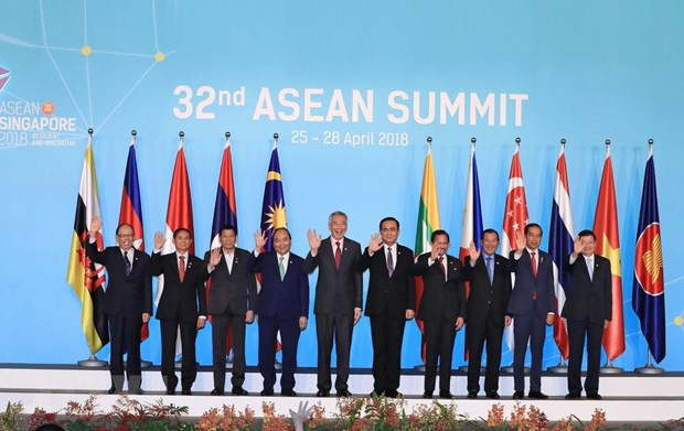 Thu tuong ket thuc chuyen tham Singapore va du Hoi nghi Cap cao ASEAN hinh anh 2