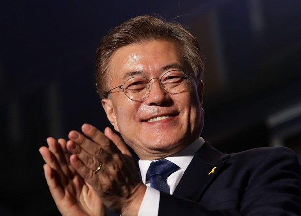 Bau cu dia phuong Han Quoc: Vi sao ong Moon Jae-in bo phieu som? hinh anh 1