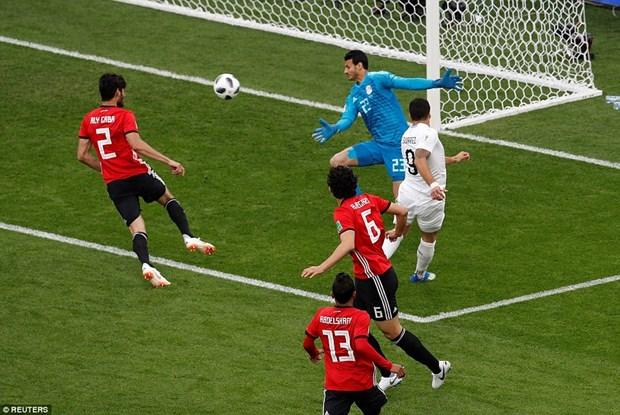 Vi sao Mohammed Salah van chua ra san trong tran gap Uruguay? hinh anh 1