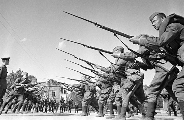 Nga giai mat quyet dinh 'nem bom Romania' cua tuong Zhukov hinh anh 2