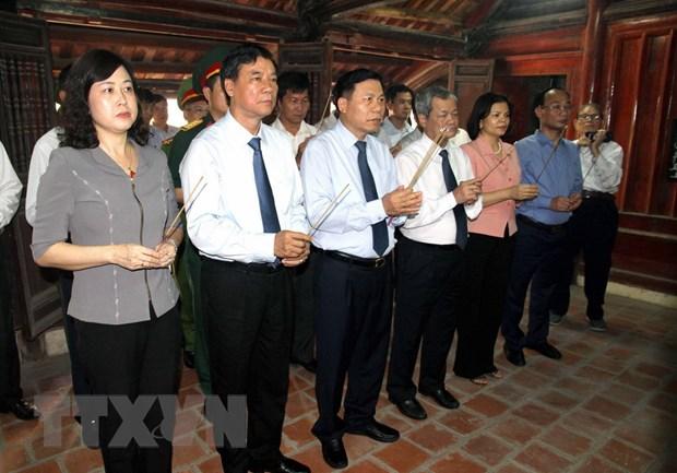 Lanh dao tinh Bac Ninh dang huong tuong niem dong chi Le Quang Dao hinh anh 1