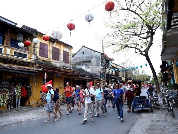 Gioi thieu du lich Viet Nam tai Indonesia qua chuong trinh Roadshow hinh anh 1