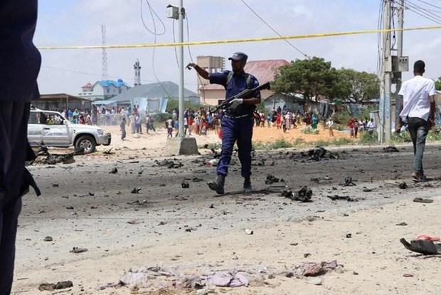 Danh bom lieu chet o Somalia lam hang chuc nguoi thuong vong hinh anh 1