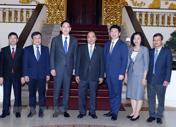 Thu tuong Nguyen Xuan Phuc: Viet Nam tiep tuc dong hanh voi Samsung hinh anh 1