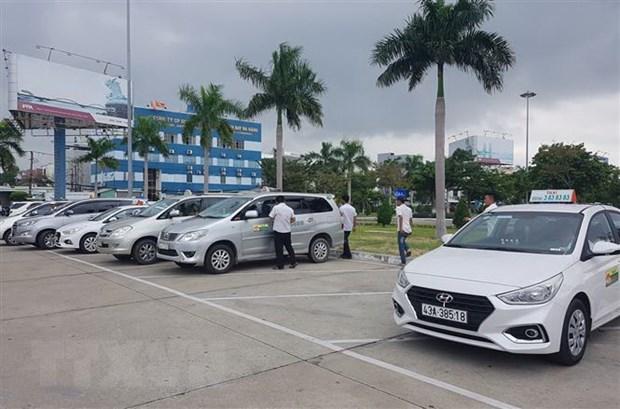 Tai xe taxi o khu vuc san bay Da Nang dinh cong phan doi Grab hinh anh 1