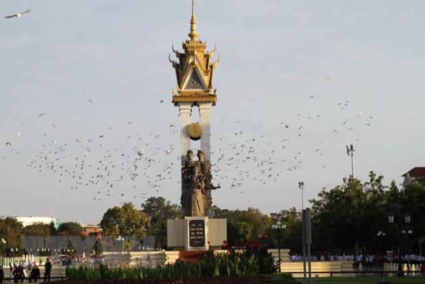 Viet Nam gui dien, thu chuc mung 65 nam Quoc khanh Campuchia hinh anh 1