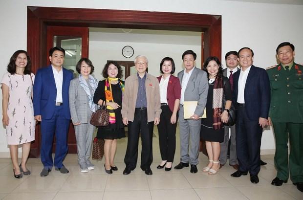 Tong Bi thu, Chu tich nuoc Nguyen Phu Trong tiep xuc cu tri Ha Noi hinh anh 2