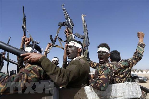Lien quan Arab noi lai khong kich cac muc tieu Houthi tai Yemen hinh anh 1