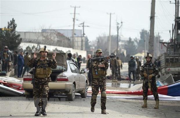 Taliban tan cong tai mien Tay Afghanistan, 22 canh sat thiet mang hinh anh 1