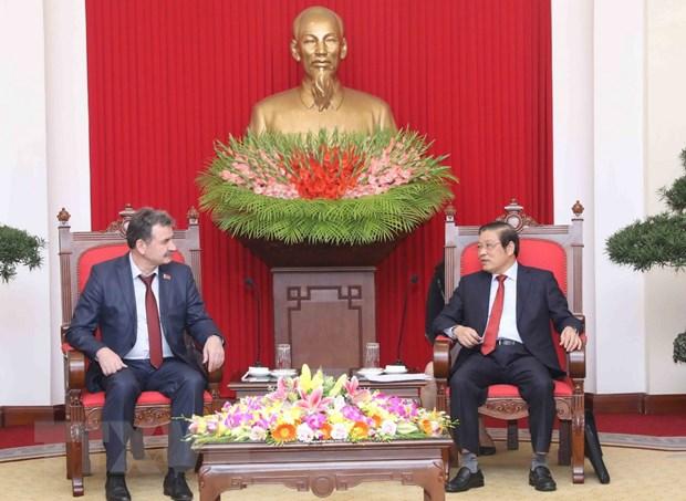 Doan dai bieu Dang Cong san Nhan dan Kazakhstan tham Viet Nam hinh anh 1