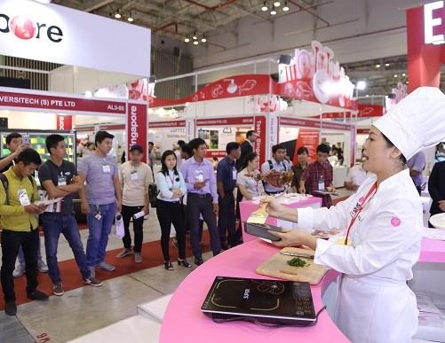 150 doanh nghiep tham gia Trien lam thuc pham va nha hang khach san hinh anh 1