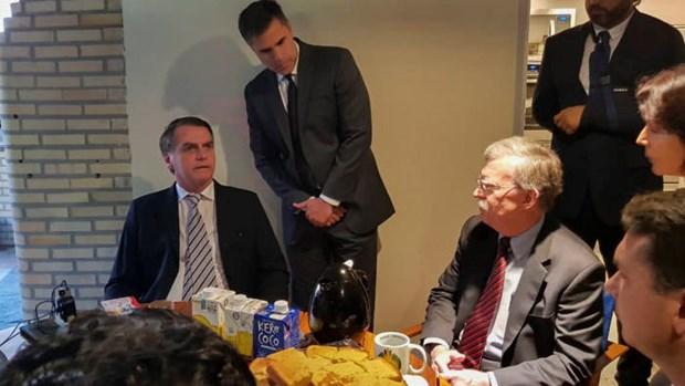 Co van an ninh quoc gia My John Bolton tham chop nhoang Brazil hinh anh 1
