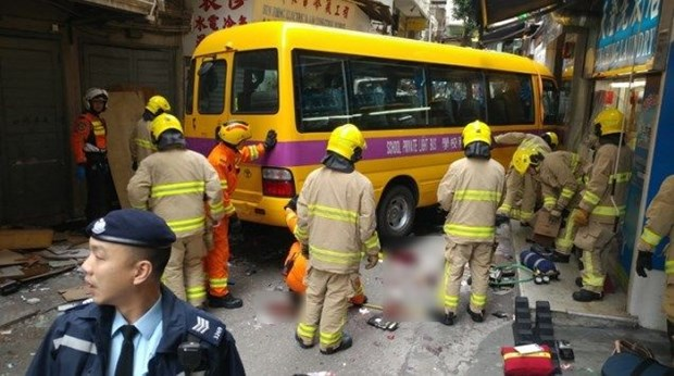 Hong Kong: Xe troi tu do dam vao khu cho, 15 nguoi thuong vong hinh anh 1
