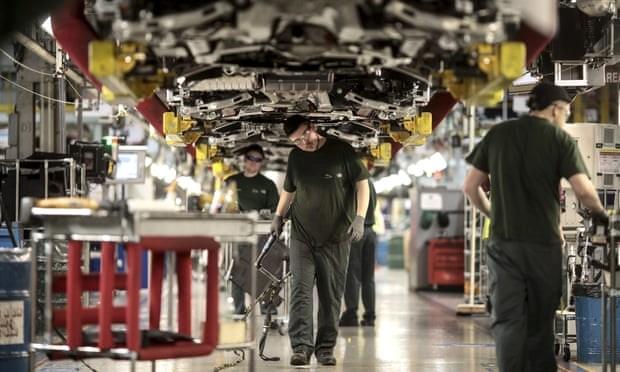 Hang oto Jaguar Land Rover dinh cat giam 5.000 viec lam tai Anh hinh anh 1