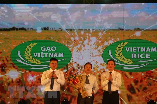 Hon 1.100 gian hang tai Festival lua gao Viet Nam o Long An hinh anh 1