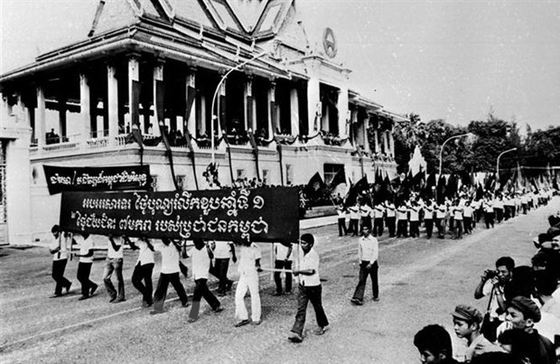 Campuchia 40 nam ngay ay va bay gio:
