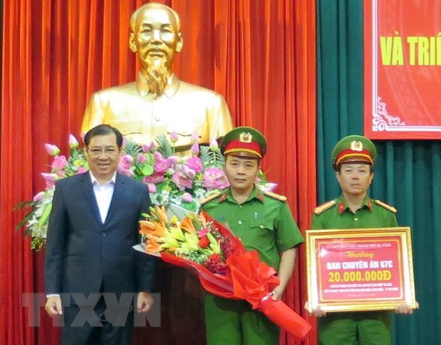 Khen thuong dot xuat Ban chuyen an pha vu cuop tao ton tai Da Nang hinh anh 1