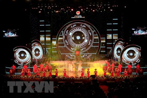 Gan 1.000 kieu bao tieu bieu tham du chuong trinh Xuan Que huong 2019 hinh anh 1