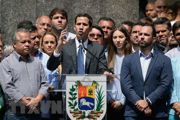 Phe doi lap Venezuela de nghi gap lanh dao Italy de trao doi y kien hinh anh 1