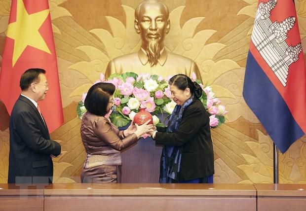 Doan dai bieu Quoc hoi Vuong quoc Campuchia tham chinh thuc Viet Nam hinh anh 1
