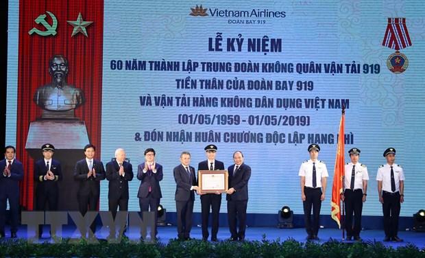 Thu tuong Nguyen Xuan Phuc du Le ky niem 60 nam thanh lap Doan bay 919 hinh anh 1