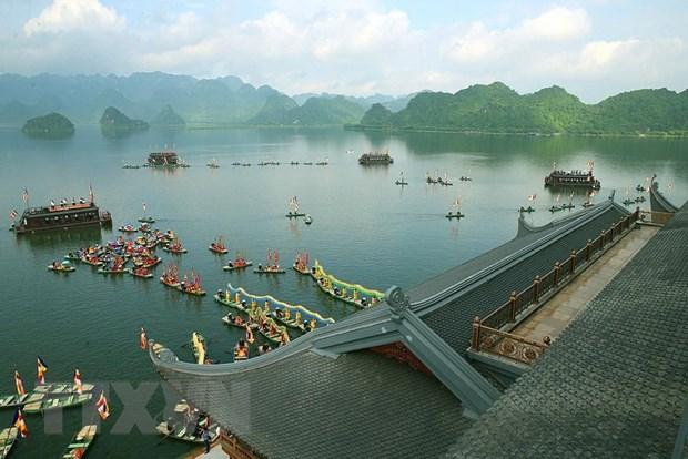 Không gian văn hóa nghệ thuật trên hồ Tam Chúc chào mừng thành công Đại lễ Vesak 2019. (Ảnh: Dương Giang/TTXVN)