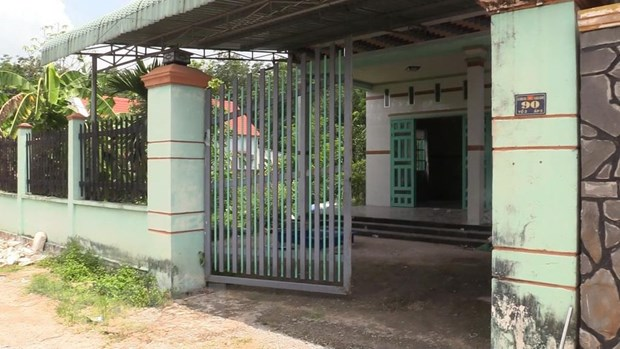 Cong an Binh Duong phat thong bao nhan dang thi the bi lap betong hinh anh 2
