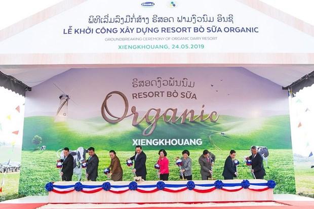 Vinamilk hop tac xay to hop 'resort' bo sua Organic tai Lao hinh anh 3