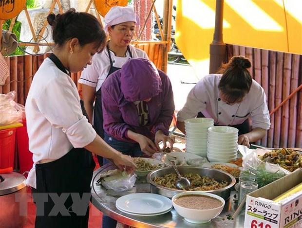 Quang ba van hoa am thuc va du lich Viet Nam tai Cong vien Thong nhat hinh anh 1