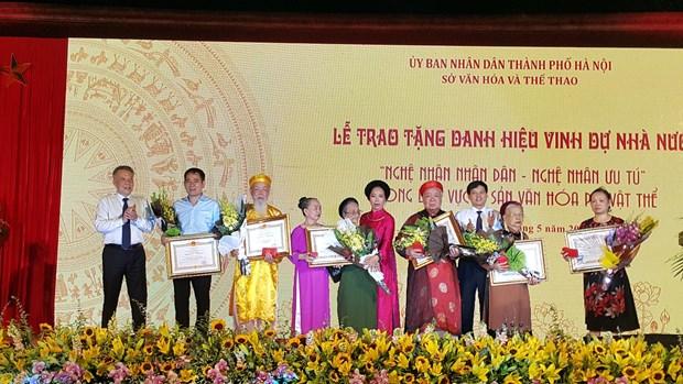 Tran tro chuyen dai ngo danh cho cac 'bau vat nhan van song' hinh anh 1