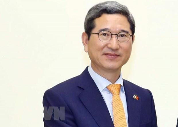 Trao Huan chuong Huu nghi cho Chu tich Nhom Nghi sy huu nghi Han-Viet hinh anh 1
