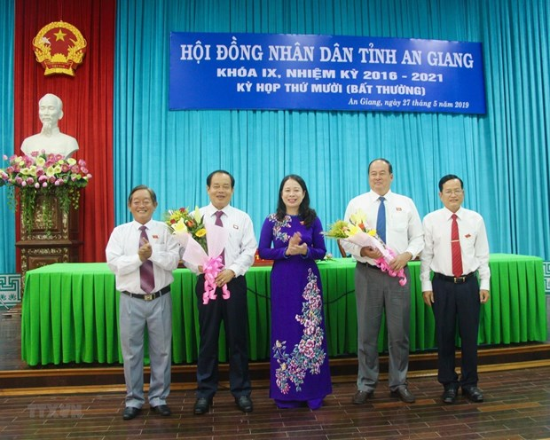 Thu tuong phe chuan Chu tich Uy ban Nhan dan tinh An Giang hinh anh 1