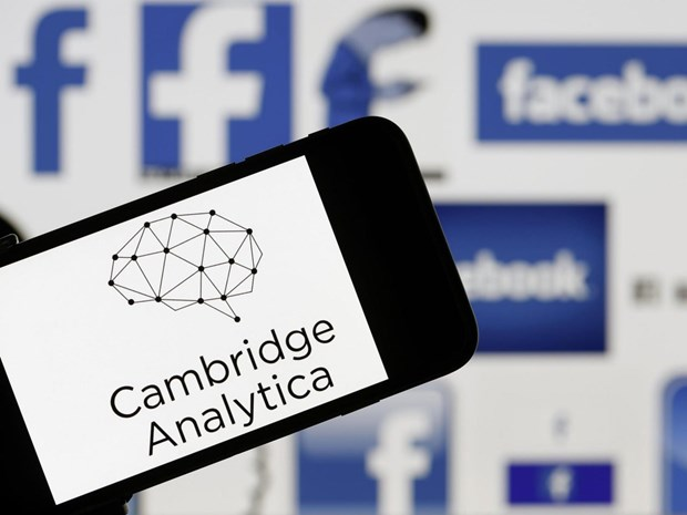 Italy phat Facebook 1 trieu euro vi be boi Cambridge Analytica hinh anh 1