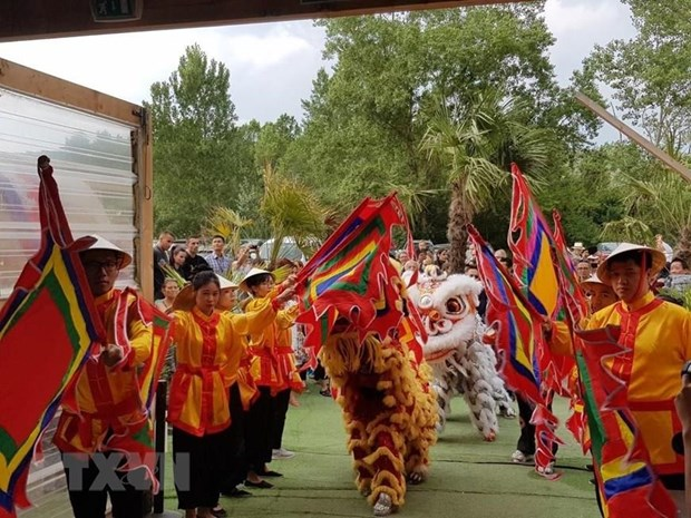 Gioi thieu van hoa truyen thong tai Festival Viet Nam dau tien o Lyon hinh anh 1
