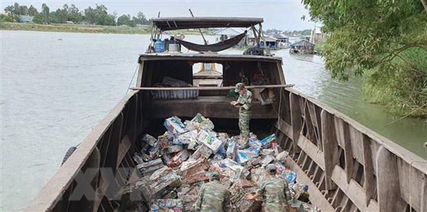 Thu giu 7 tan sat phe lieu nhap lau tu Campuchia ve Viet Nam hinh anh 1