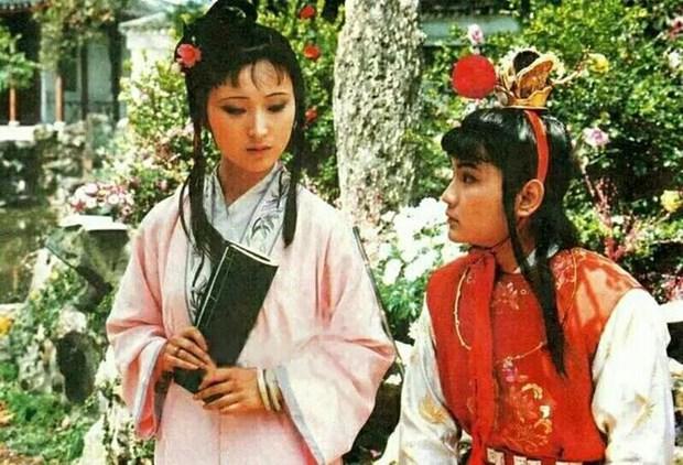 Giao luu voi cac dien vien trong phim truyen hinh 'Hong Lau Mong' hinh anh 1