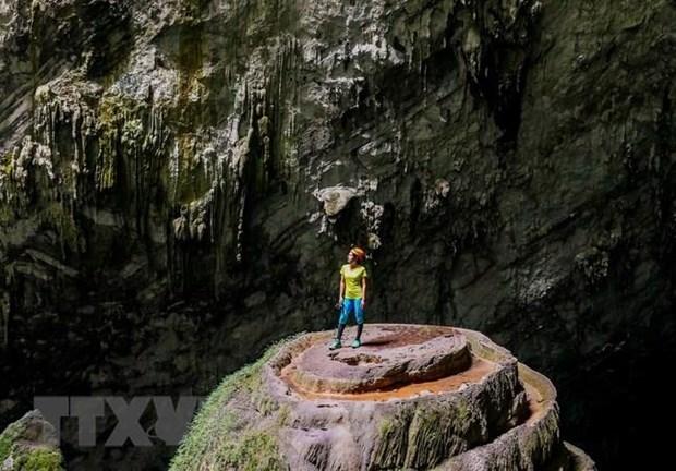 Kham pha bi an bat tan o 'Vuong quoc hang dong' Quang Binh hinh anh 1