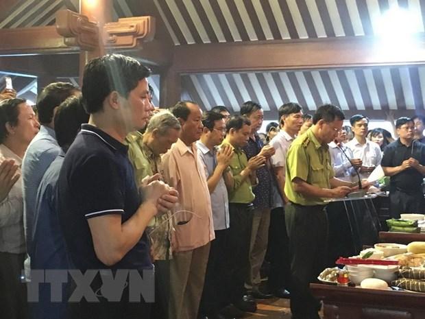 Thanh kinh dang huong tuong nho va tri an Chu tich Ho Chi Minh hinh anh 1