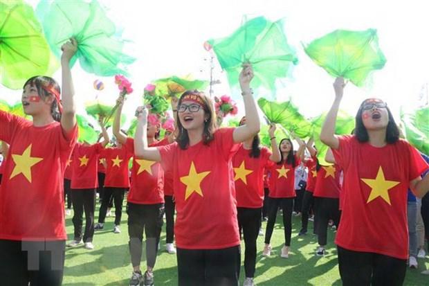 Hàng nghìn cổ động viên cổ vũ cho em Trần Thế Trung. Ảnh: Bích Huệ/TTXVN